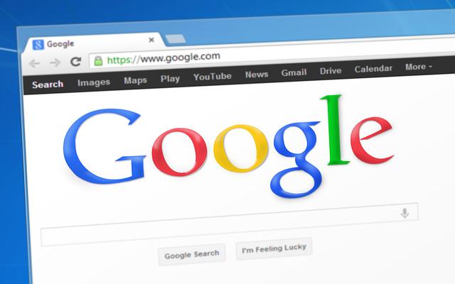 Detail na obrazovku počítača so zapnutou stránkou Google